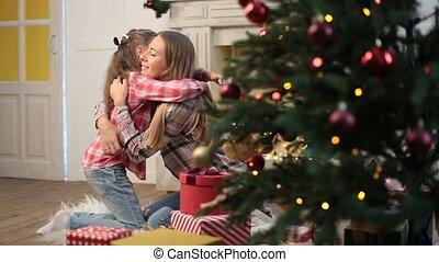 fille, mère, veille, embrasser, noël, aimer