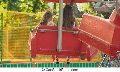 fille, maman, carrousel, cavalcade