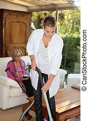 fille, nettoyage, mère