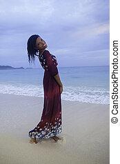 fille noire, plage, robe