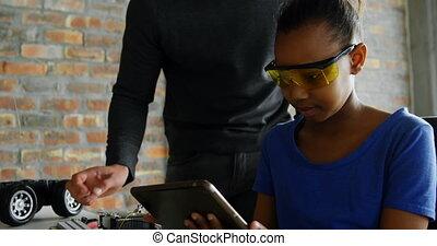 fille, numérique, utilisation, père, tablette, 4k