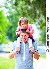 fille, père, parc, amusement, avoir, heureux