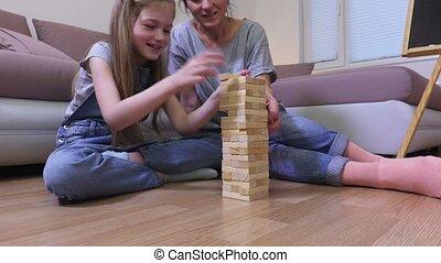 fille, panneau jeu, jeu mère, heureux