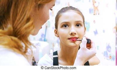 fille, rouge lèvres, artiste, peintures, jeune, maquillage, crème