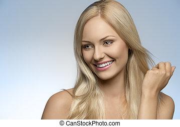 fille souriante, naturel, blond