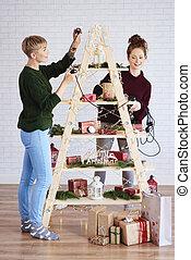 filles, décorer, arbre, deux, noël