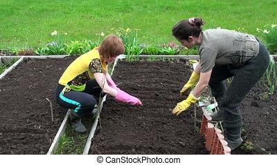 filles, deux, jardin