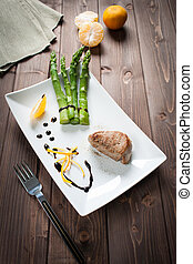 Fillet of pork with asparagus