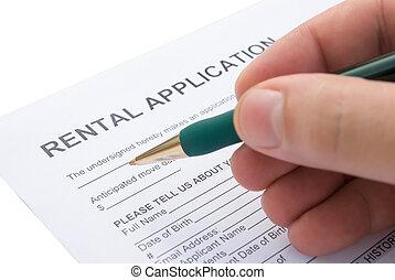 filling a rental agreement application