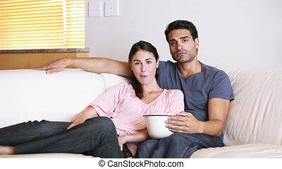 film, couple, regarder