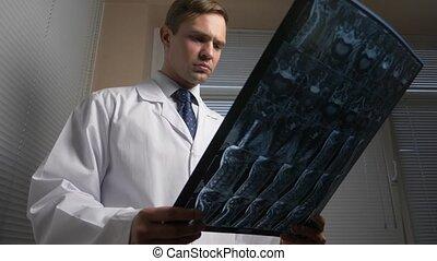 film., docteur, magnétique, résultats, images., thérapie, mri, fin, résonance, analyse, rayon x, 4k