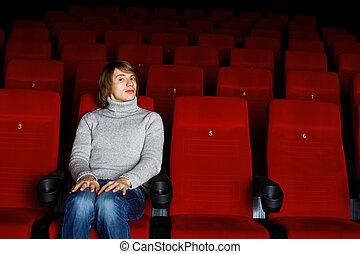 film, kino, młody mężczyzna, oglądając