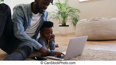 fils, utilisation, maison, ensemble, technologie, père