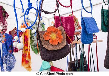 filt, ull, flicka, väska, såld, utomhus, gata marknadsför,...