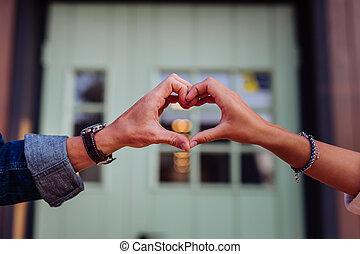 fin, coeur, projection, haut, mains