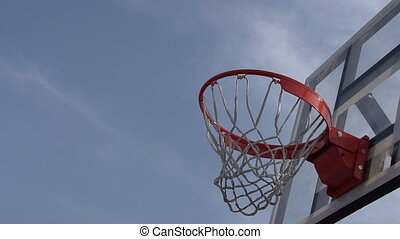 Final Goal - The ball enters the basket basketball. Slow...