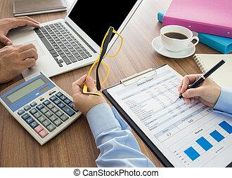 finance and analyze