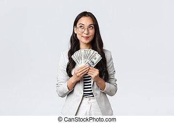 finance, concept., argent, regarder, femme affaires, rêveur, emploi, haut, investir, dollars, aller, pensée, entrepreneur, comment, business, gagné, content, prise, espèces, pensif, vacances, où