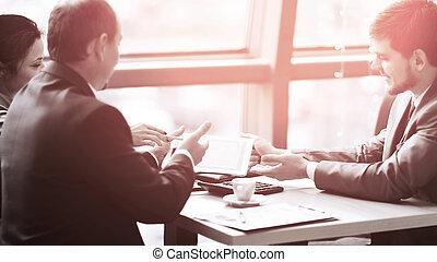 financeiro, negócio, discutir, report., equipe, tecnologia