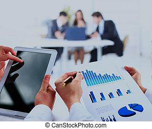 financeiro, negócio, escritório., work-group, analisando, dados