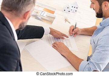 Financial advisor and house buyer - Financial advisor...