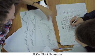 financial advisors view graphics and paper to the Initial Public Offering and check the form of the contract