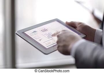 financier, up.businessman, analyser, onglet, numérique, fin, utilisation, données