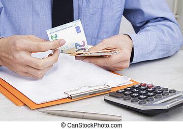 finanse, handlowy, pieniądze, ręka, uważając, odliczający, człowiek