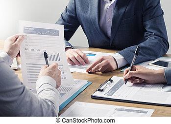 finansiella servicer, professionell, lag