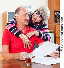 finansowy, dokumenty, kochający, dojrzała para
