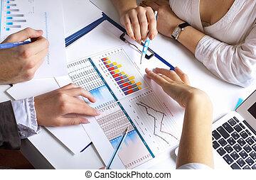 finansowy, papiery, na stole