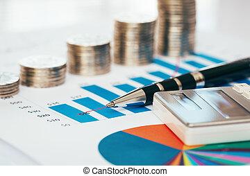 finanzielles diagramm, mit, geldmünzen, kugelschreiber, taschenrechner