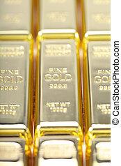 Fine gold 999,9. Set of gold ingots.