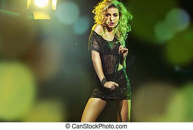 Fine shot of a dancing woman