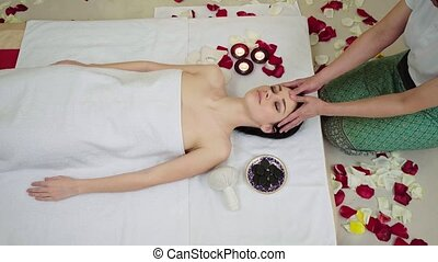 Finger Massage with Oil at the Beauty Spa.