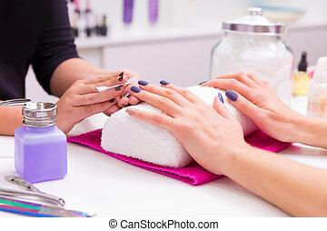fingernagel, salong, kvinna, spika polermedel, ta bort, med,...