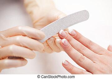 fingernaglar, kunder, filning, kosmetolog