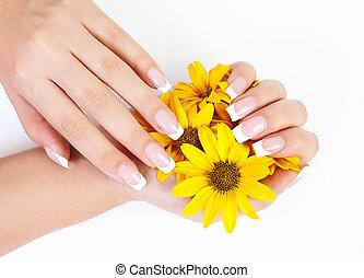 fingernails, kwiaty