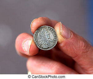 fingrar, hålla, gammal, mynt, från, frankrike