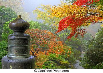 finial, sur, pont bois, dans, jardin japonais