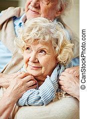 finom, senior woman