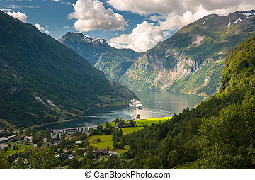 fiord, geiranger, norwegia