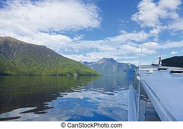 fiordo, barco, viaje