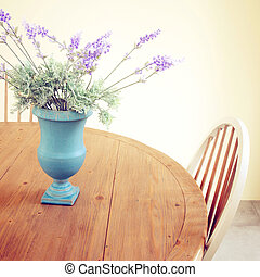 fiori vaso, tavola, con, retro, filtro, effetto