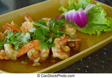 fired shrimp with garlic