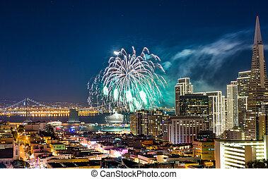 Firework San Francisco - Celebration New Year in San...