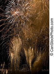 Fireworks in Bordeaux - Golden fireworks in Bordeaux on the...