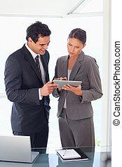 firma, kigge, partner, tablet, sammen