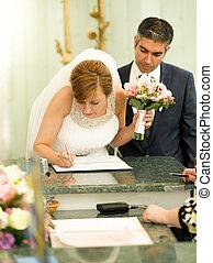 firmare, ufficio, giovane, contratto, sposa, registrazione, matrimonio