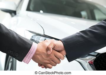 firme, gros plan, affaire, réussi, image, après, poignée main, voiture., achat